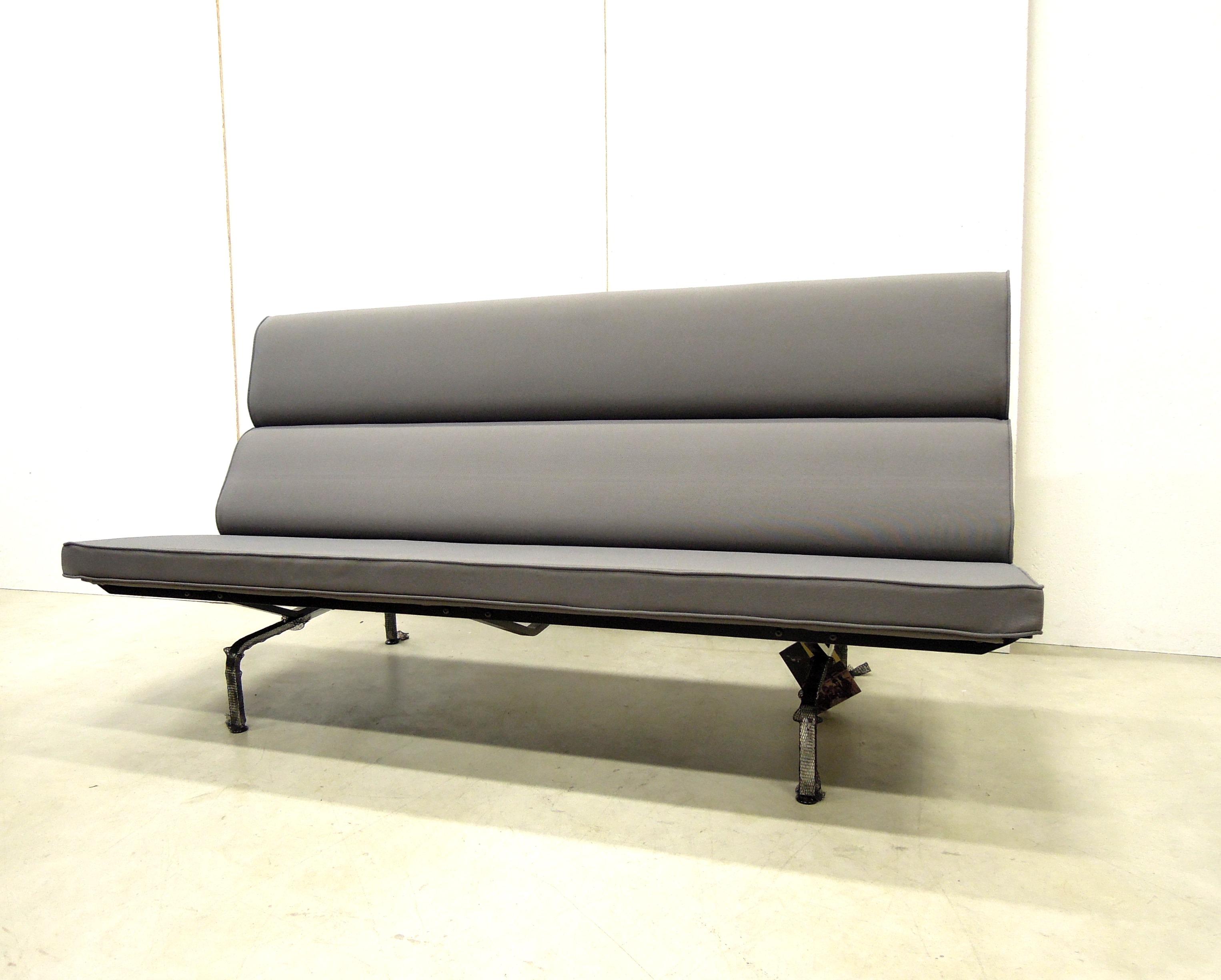 Vitra Chalres Eames : Vitra compact sofa by charles eames interior aksel