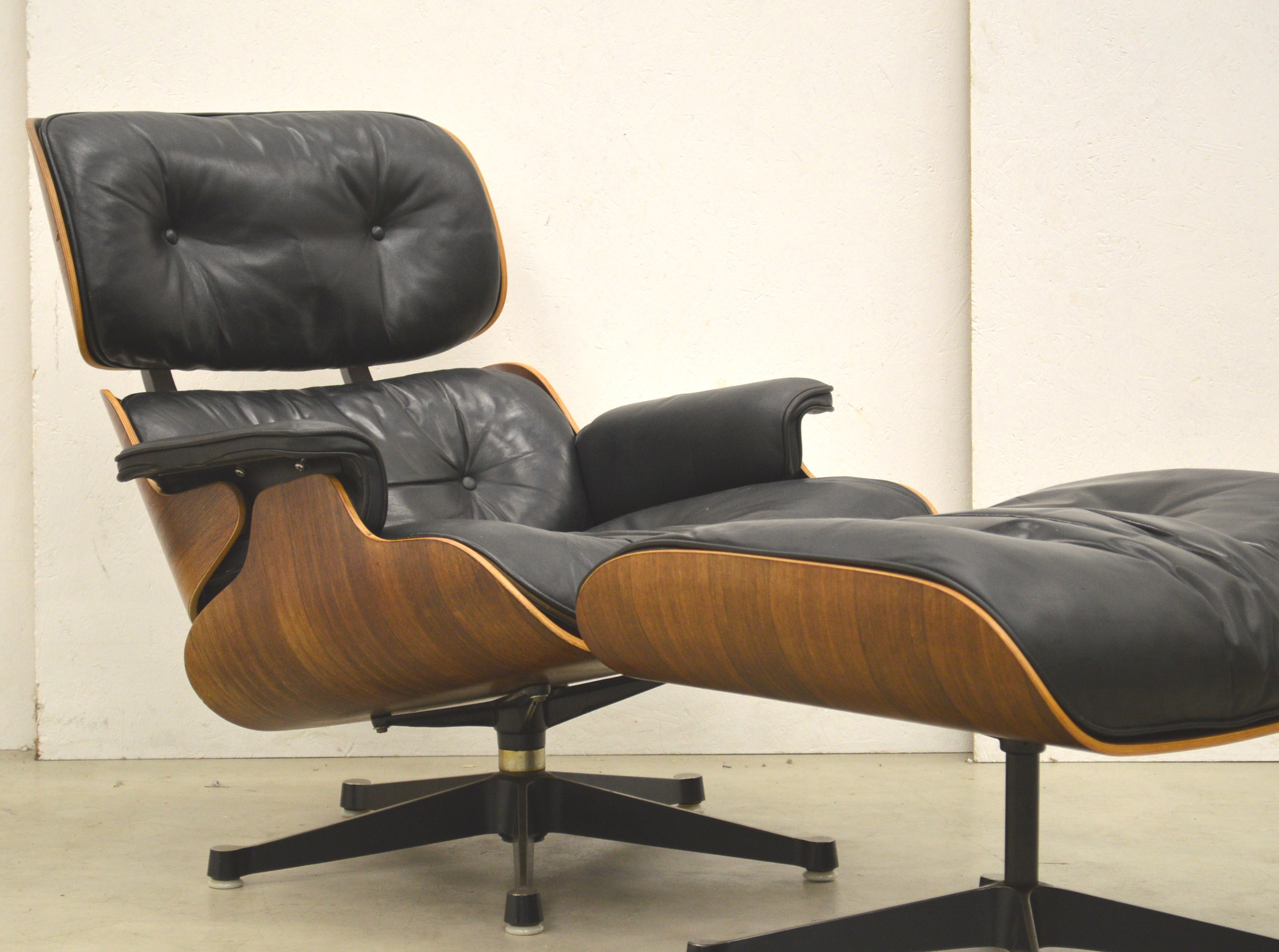 Eames Lounge Stoel : Early herman miller eames lounge chair ottoman s interior aksel
