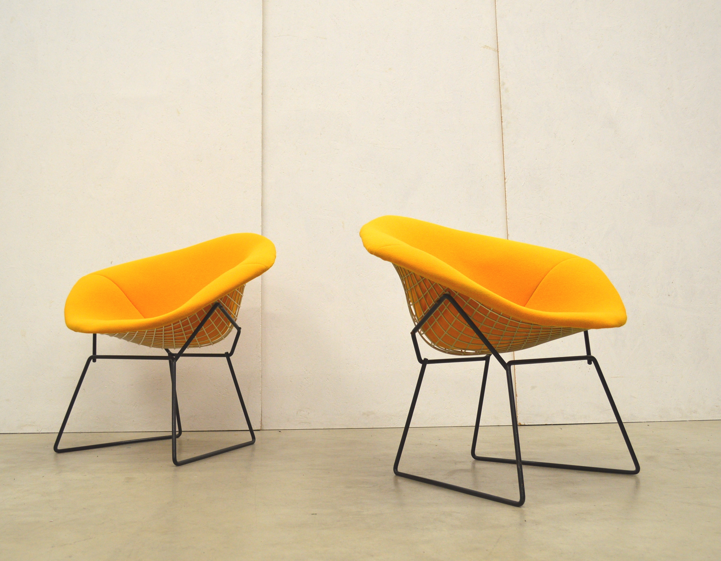 Pair Of Harry Bertoia Diamond Chair By Knoll International Yellow